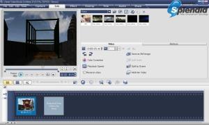 Logo ASUS Splendid selalu muncul ketika memutar video dengan program video player maupun video editor pada komputer yang mengaktifkan fitur tersebut.